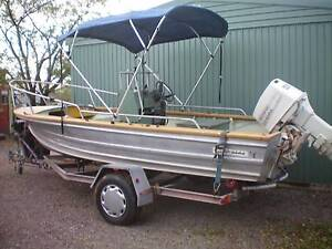 QUINTREX 16 FOOT FISHABOUT Munno Para West Playford Area Preview