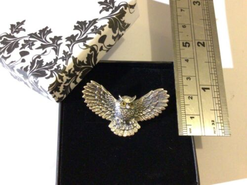 Sterling Silver Antique style flying owl bird of prey brooch pin 4cm wide