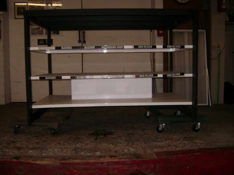 DISPLAY BLACK & WHITE METAL RETAIL RACK TABLE SHELVING UNIT