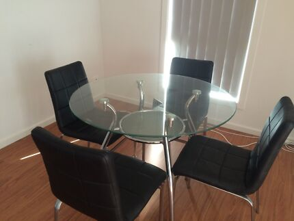 table and chairs  Harrison Gungahlin Area Preview