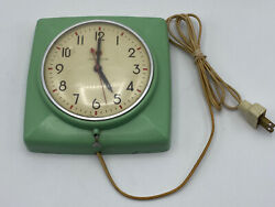 vintage Green Kitchen General Electric Red Dot Electric Wall Clock Model 2H20