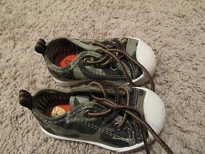 OshKosh Bgosh Size 3baby boy toddler Multi  camo Color Sneakers Shoes