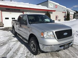 2006  Ford F-150 XLT 4WD Crew Cab 5.4 V8 seulement 127k km