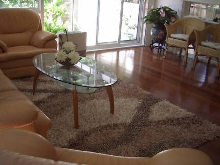 A Female flat mate is required for a fully furnished room. Lane Cove Lane Cove Area Preview