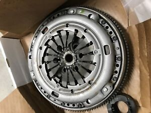 VW AUDI LUK 17050 CLUTCH SET INCLUDING FLYWHEEL