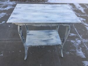 Farmhouse Style Solid Wood Antique Side/Entry Table