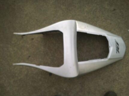 Yamaha R1 98 99 00 01..  Model******2001  Ducktail Fairing