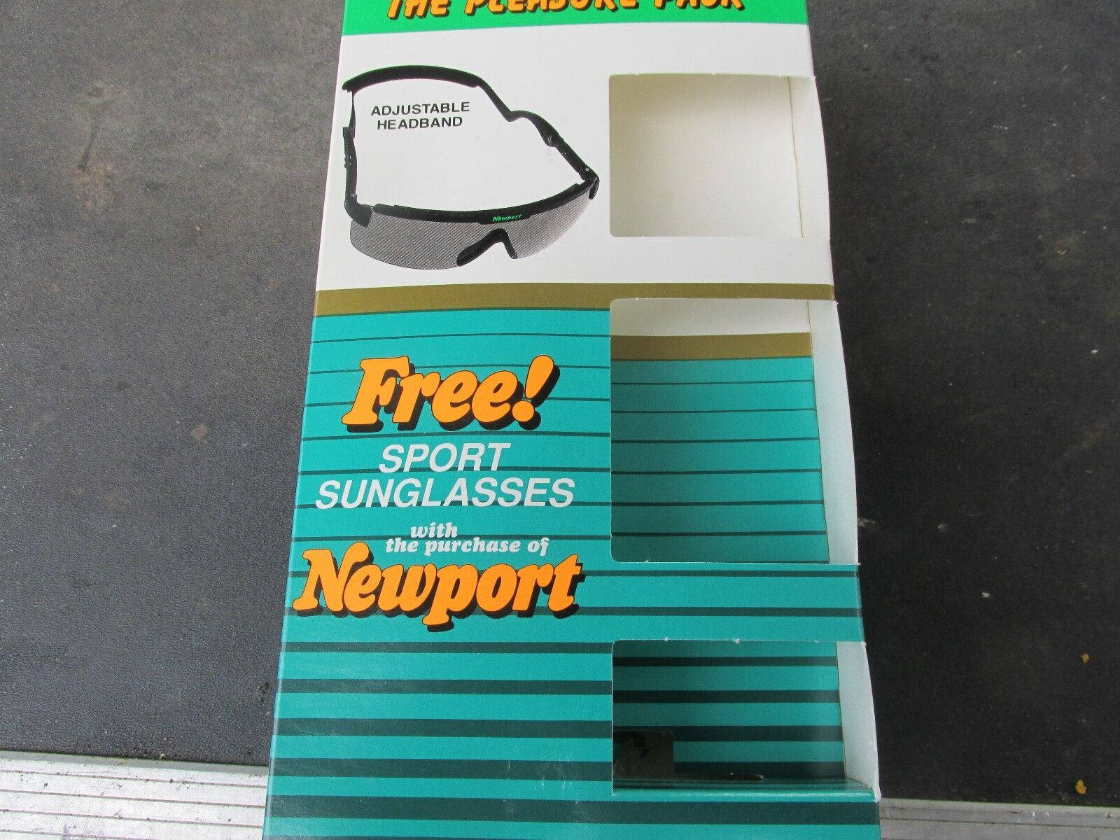 Vintage NOS Newport Pleasure Cigarettes Wrap-around Sport Sunglasses