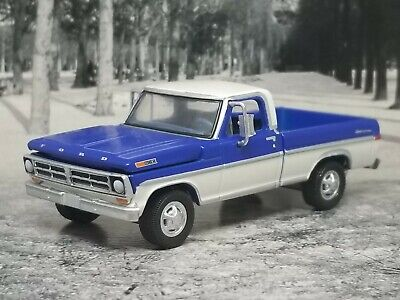 1972 72 ford f-100 pickup truck collectible 1:64 scale diecast diorama model Car
