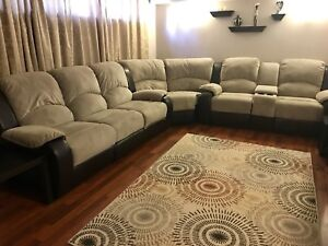 Sectional ( Reclining) Amazing Condition!
