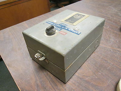 Allen-bradley Enclosed Size 0 Starter 709-aaa3 120v Coil Used