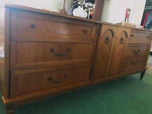 9 drawer dresser with large adjustable mirror