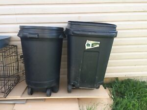 Garbage cans / bins