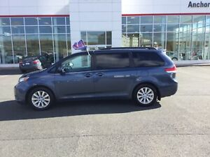 2013 Toyota Sienna XLE 7 Passenger AUTO; AIR; P/SEAT; P/ROOF;...