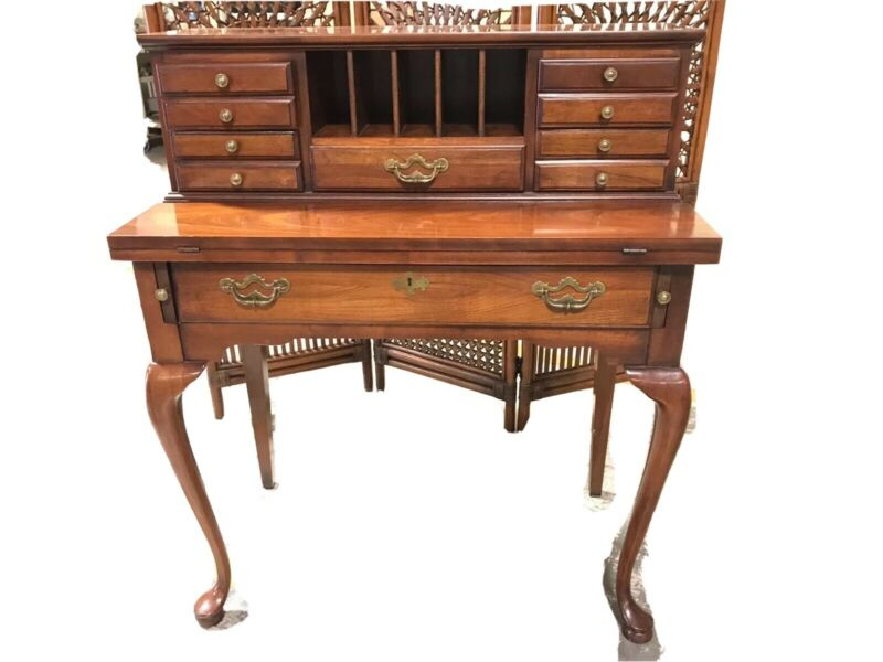 Thomasville Queen Anne Ladies Cherry Writing Desk