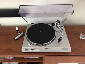 Technics SL-D2 Automatic turntable w/Ortofon 2M Red upgrade