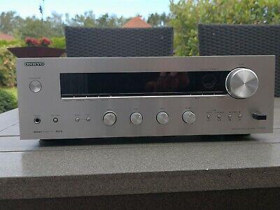 ONKYO TX- 8050  Stereo Receiver mit Internet Farbe Silber incl. Fernbedienung