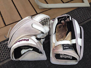 Reebok Premier 4 Goalie Gloves Kitchener / Waterloo Kitchener Area image 4