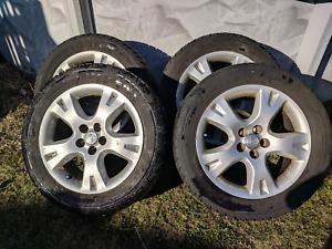 "Toyota 16"" mags avec pneus 205/55R16"