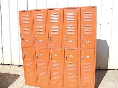 Vintage Metal Astro Orange Republic Steel Gym Employee Man Cave 5 Bay 10 Lockers
