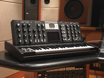 Moog Minimoog Voyager Electric Blue Edition   Used 3 Times