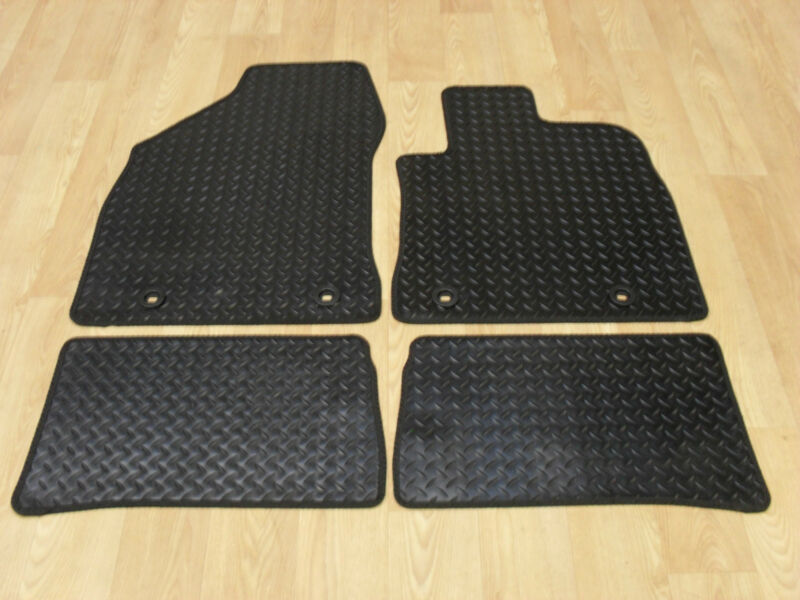 Lexus CT200H (2011-on) Fully Tailored RUBBER Car Mats in Black.