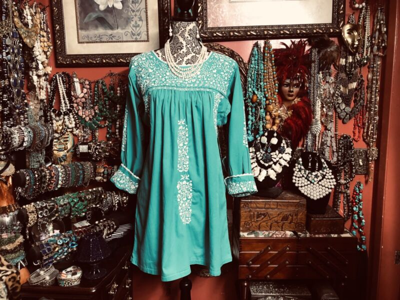 Beautiful Vintage Mexican Oaxacan Green Dress White Embroidery Long Sleeve M/L