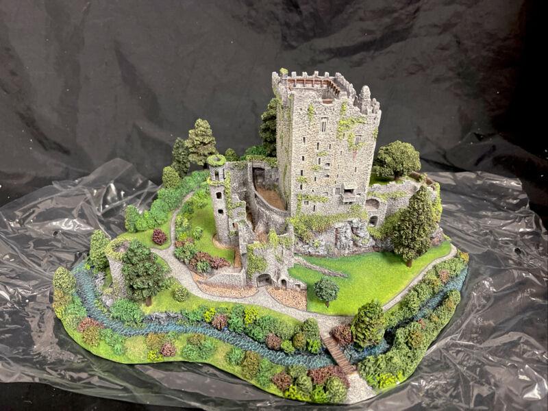 Danbury Mint Blarney Castle County Cork Ireland Rare NEW IN BOX