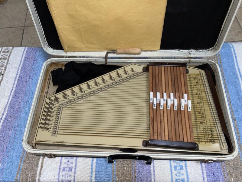 Sears Auto Harp W/case
