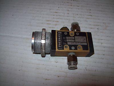Pneumax 228.32.7.12 Push Button Pneumatic Switch P1550