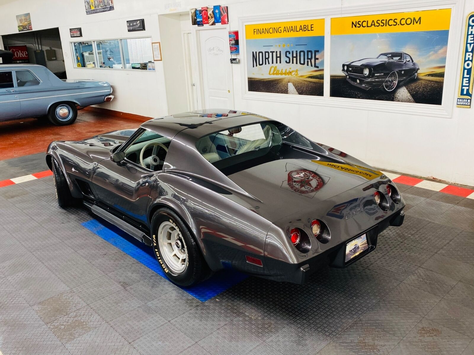 1977 Gray Chevrolet Corvette   | C3 Corvette Photo 3