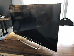 "42"" Sony Led Smart Tv for sale."