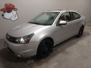 2009 Ford Focus SES Coupe  ***Located in Owen Sound***