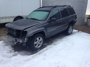 Parting out 03 Jeep Grand Cherokee 199,000k runs & drive perfect