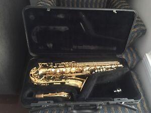 Saxophone YAMAHA  275   W. F#  mouthpiece & Case