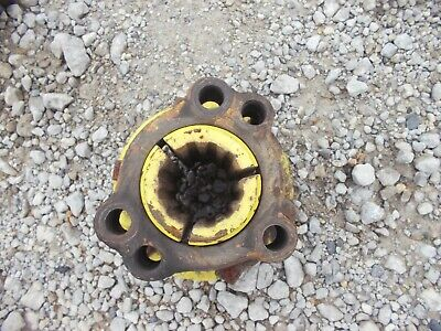 John Deere B Tractor Jd 12 Spline Axle Wheel Hub W Collar Bolts