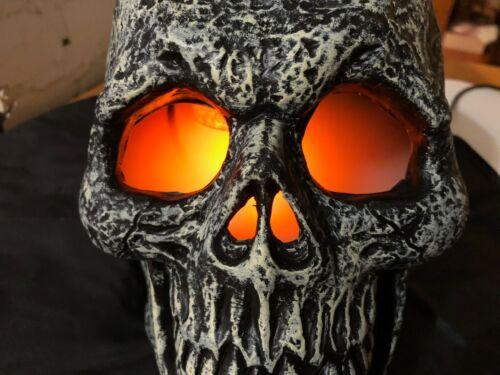 Skull Mister Fogger Light Up Halloween Prop Eerie Mist Fog Uses Tap Water