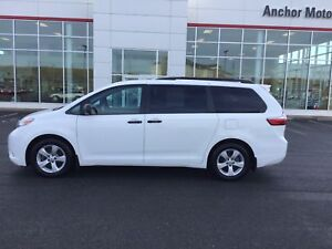 2015 Toyota Sienna 7 Passenger AUTO; AIR; ALLOYS; BLUETOOTH;...