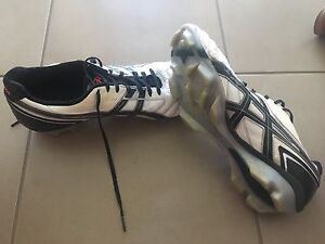 Asics football boots EURO 46 US 11.5 Berwick Casey Area Preview