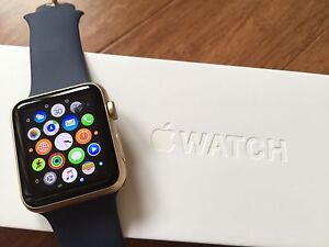 APPLE WATCH 42MM OR - COMME NEUVE
