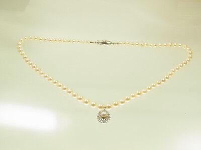 Akoya Zuchtperlen Kette 585 WG Schloß mit 585 WG Diamantanh. 8 Diam ca 0,16 ct