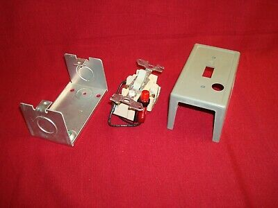 Square D 2510fg5p Motor Starter Switch Type 1 Enclosure New Nos