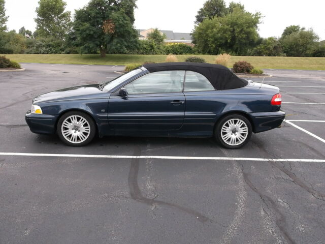 2004 Volvo C70  For Sale