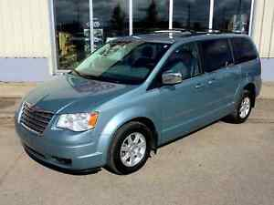 2010 Chrysler Town & Country Touring - Heated Seats