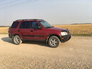 Fun, safetied 2001 Honda CR-V with 5 speed standard