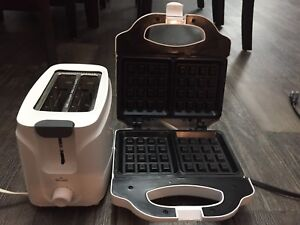 Toaster and Sandwich maker
