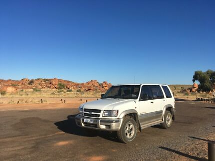 Backpackers Holden Jackaroo 2002 SE LWB V6 cyl 3.5L Automatic