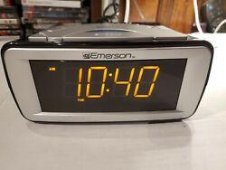 Emerson Smart Set Digital Alarm Clock CKS9051 . Large LED. Duel alarm. Radio.