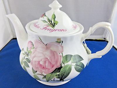VERSAILLES, Fine Bone China made in EnglandRoy Kirkham ENGLISH 6 CUP TEA POT