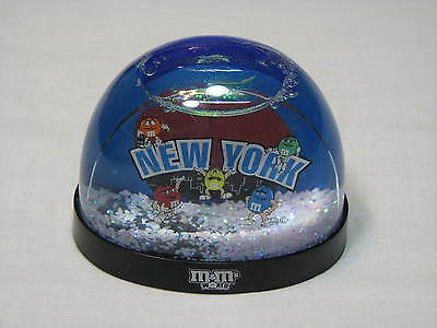 M & Ms Snow Globe New York Big Apple M&Ms Snow Dome World Collectible Figurine